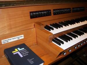 Teil des Orgelspieltisches